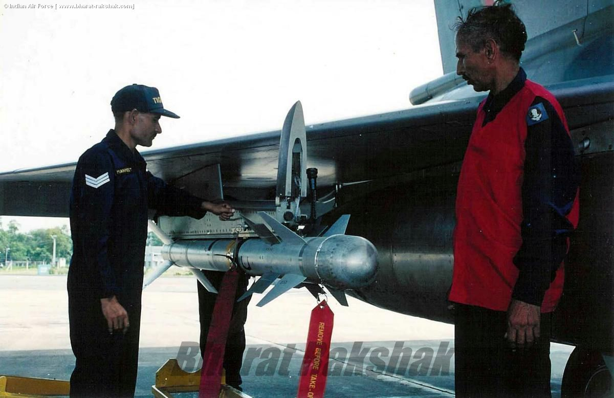 Loading a live Magic II on a Mirage 2000