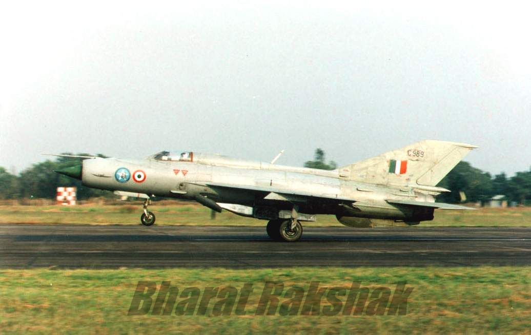 A MiG-21FL (C-989), from the No.8 Squadron