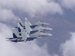 Su-30s in close formation