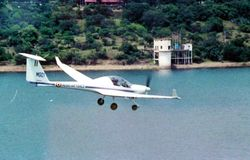 Super Dimona - Motorised Glider over Khadakvasla Lake