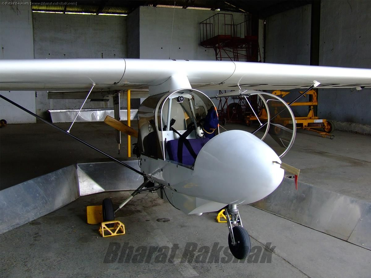 Streak Shadow Microlight in Hangar