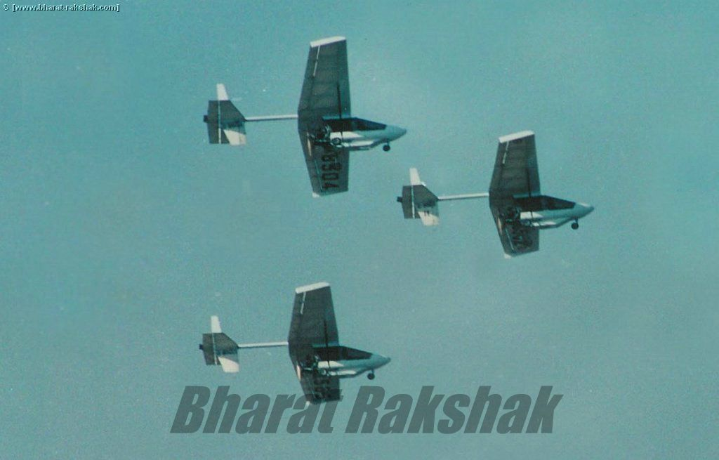 Go west - formation flies over Hindon