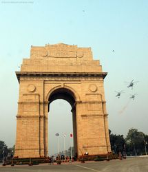 Republic Day 2008 - IAF Helicopters India Gate