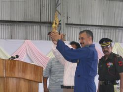 Wg Cdr Rathore receives a memento