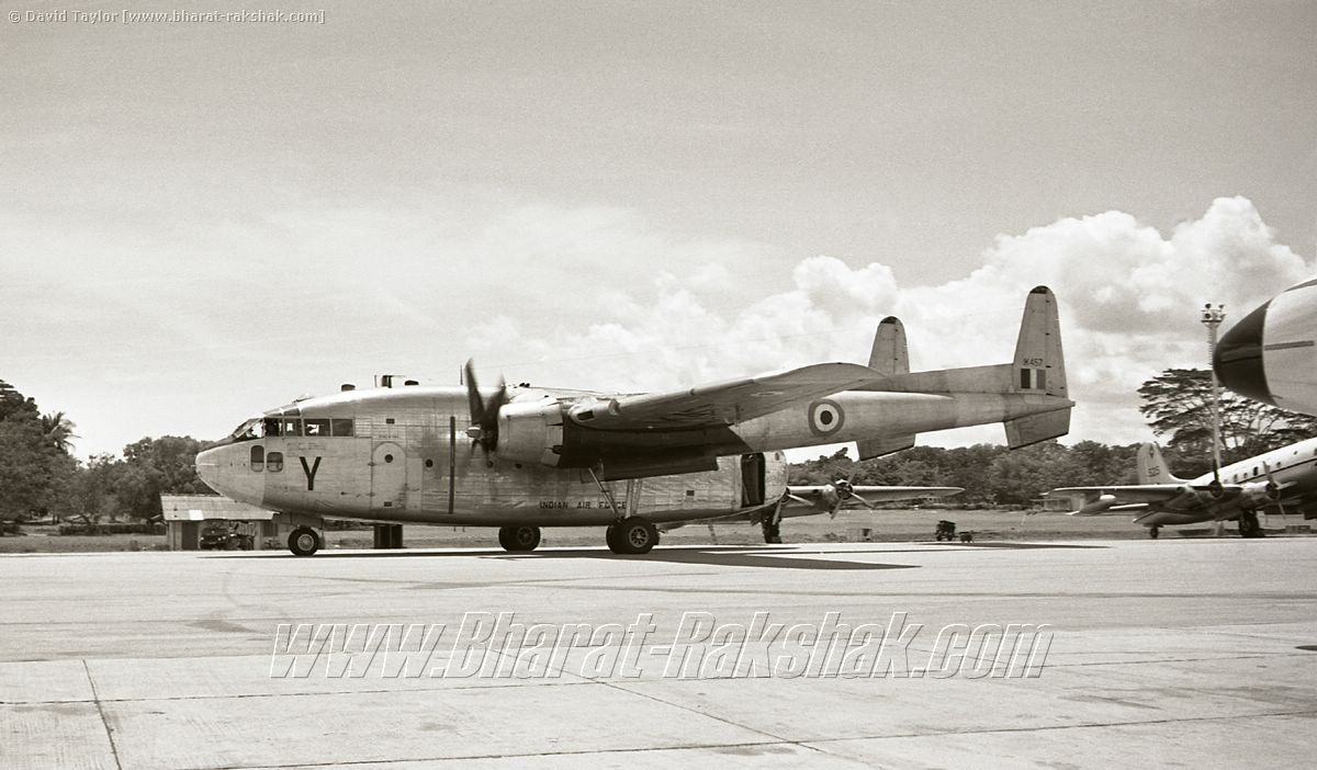C-119  IK457 at Changi (Jan 1963)