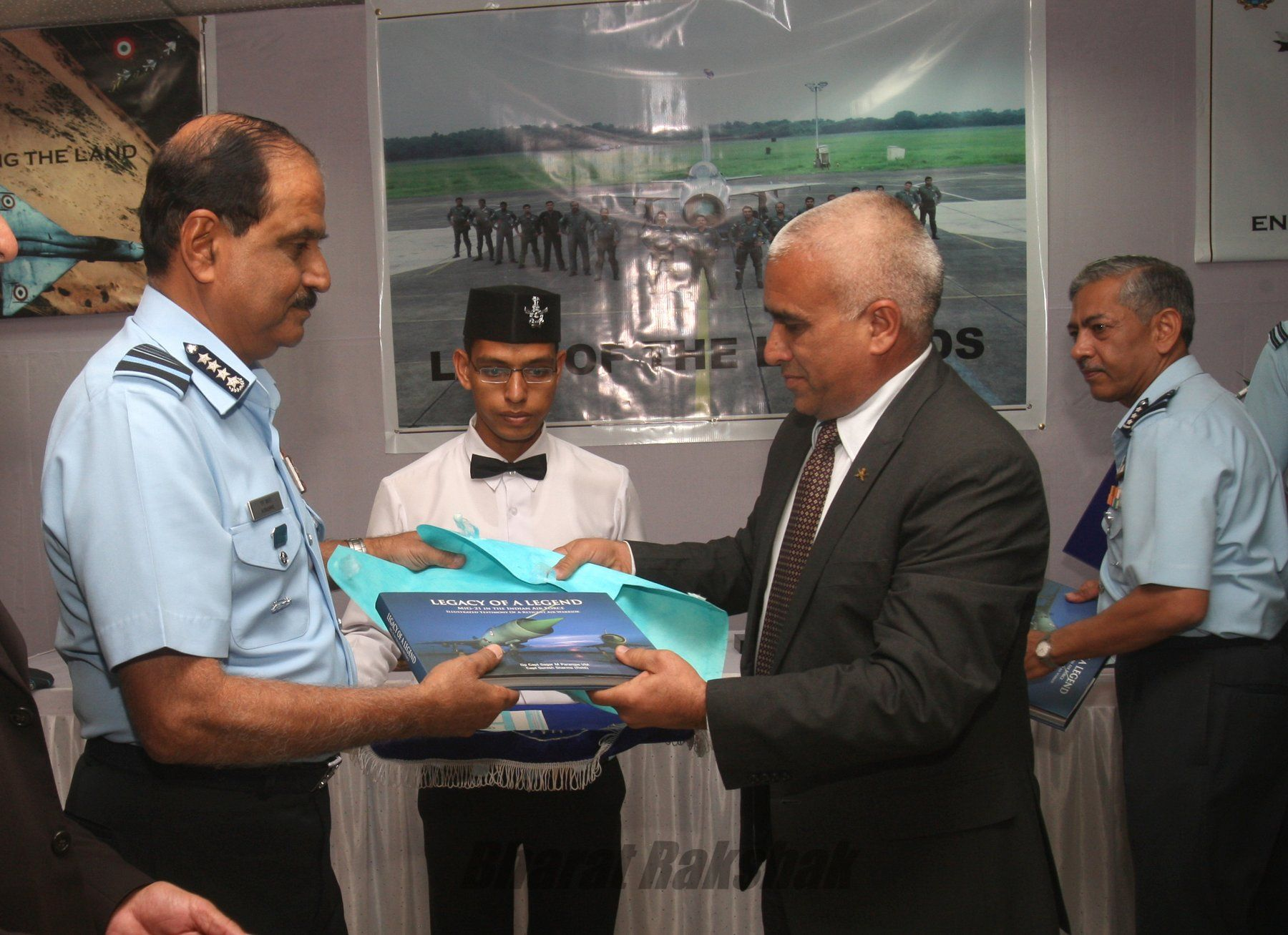 Book Launch on the MiG-21 with photos by Capt Suresh Sharma