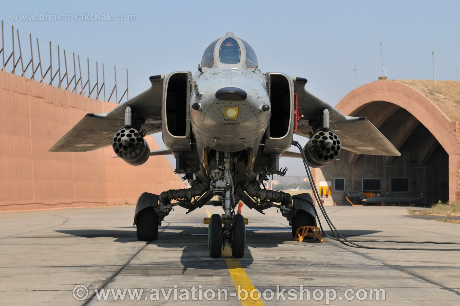MiG27_Front