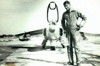 Pereira standing next to his Gnat.