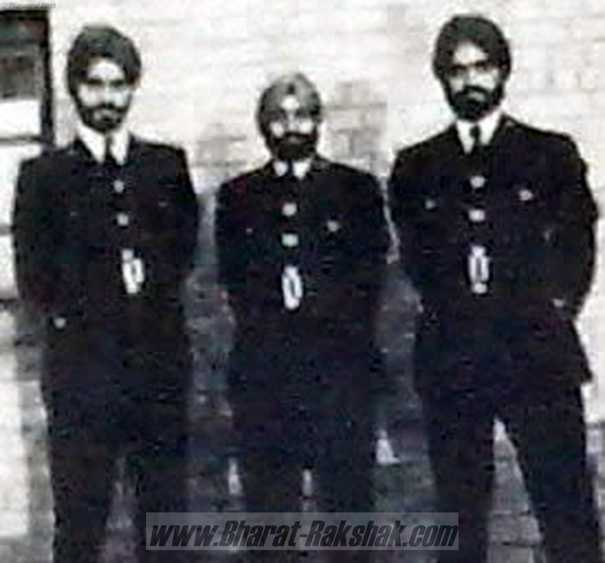 With fellow Sikh Officers