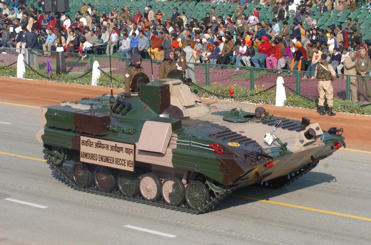 On Parade [www.bharat-rakshak.com]