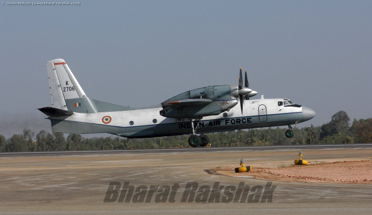 K2706 taking off from Yelahanka